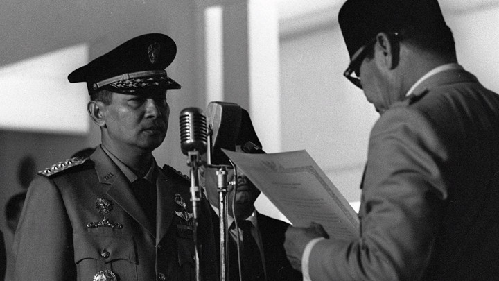 Suharto sworn into Cabinet 1966